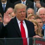 Donald Trump toma posse como presidente dos Estados Unidos